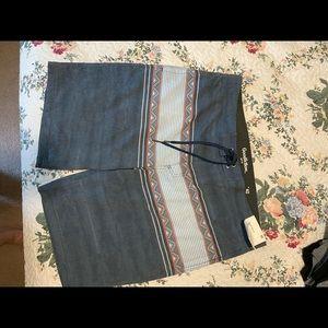 🦚 Men's size 40 Aztec grey board shorts